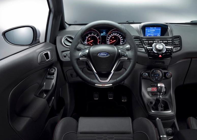 Fiesta ST200 interior 1