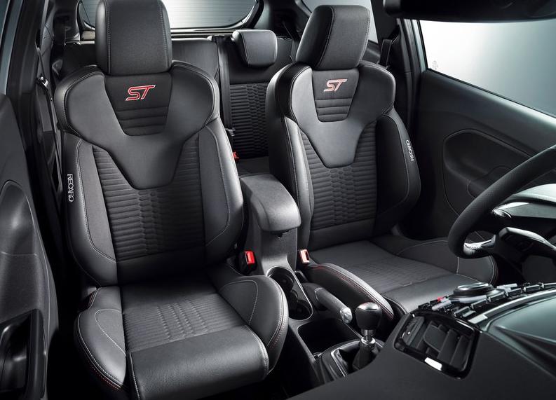 Fiesta ST200 interior 3